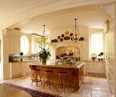 Love the shape of this kitchen