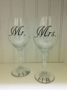 Mrs and Mrs Wedding Wine Glasses with Customized Date