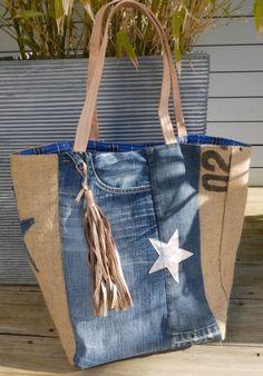 Sac cabas réalisé avec des matériaux recyclés :  toile de sac à café recyclé + toile de jeans recyclé
