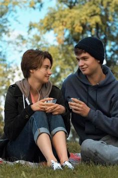 Immagine di movie, augustus waters, and Shailene Woodley John Green, Hazel Y Augustus, Augustus Waters, The Fault In Our Stars, Iconic Movies, Great Movies, West Side Story, Hazel Grace, Bon Film