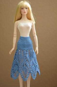 Crocheted skirt for 16 dolls Tonner by CrochetDollsOutfits on Etsy