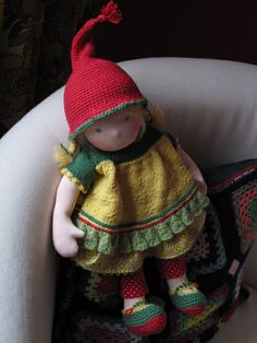 i was a waldorf/steiner kid...just love love this Sonja Sunshine Waldorf dolly.