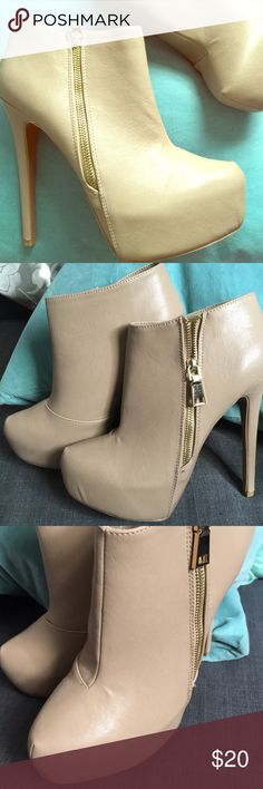 """Sexy Taupe Stiletto Booties Gold Zipper Almond Toe Brand new, almond toe stilettos in taupe. These zip up booties are sexy and stunning! Never worn, only tried on, but missing box. Size 10, but can also fit a 9 or 9.5 because of the shape. Heel is 4"""" and has front platform. Gold zipper is work on the outside. Qupid Shoes Ankle Boots & Booties"""