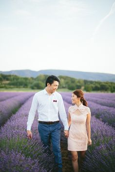 #engagement in Provence lavender fields. Photography: www.mandjphotos.com