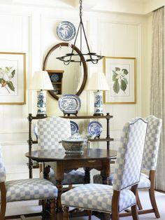 What is it that draws us to clean lines and simplicity after the holidays? Traditional Decor, Traditional House, Dining Room Design, Dining Rooms, Dining Area, Family Wall Decor, Round Sofa, Elegant Dining, White Rooms