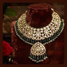 Jewelry OFF! The classic Sabyasachi Bridal necklace. Set in gold with uncut diamonds emeralds and pearls. For all jewellery related queries… Indian Jewelry Sets, Indian Wedding Jewelry, India Jewelry, Pakistani Jewelry, Bridal Necklace Set, Bridal Earrings, Bridal Jewelry, Real Gold Jewelry, Gold Jewellery Design