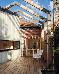 http://www.archdaily.com/800883/st-kilda-east-house-claire-scorpio-architects