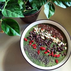 Green Smoothie Bowl shared by tiu_kbo. Blend one scoop of cinnamon roll Perfect Fit Protein with almond milk, spinach, spirulina, peanut butter, 1/2 a banana, berries and one date. Top with flaxseeds, almonds, cocoa nibs, goji berries & chia seeds. Enjoy!