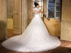 161-47 - Robe de mariée MISS KELLY 2016