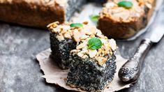 Hrnčekový makový koláč s mandľovými lupienkami | Recepty.sk Cheesecake, Sweets, Fruit, Ethnic Recipes, Food, Cakes, Basket, Gummi Candy, Cake Makers