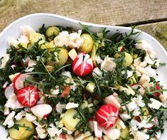 Paleolivet: Æble-kartoffel salat med torskeflager og rejer. En spændende salat. Kan også laves uden fisk.