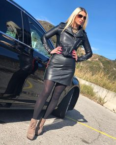 """And, here is the winner of """"Miss Sexy Lady In A Leather Skirt"""".not to mention she looks pretty too. Leather Tights, Black Leather Skirts, Black Tights, Women's Tights, Thigh High Leggings, Pencil Skirt Outfits, Leather Skirt Outfits, Quoi Porter, Sexy Skirt"""
