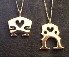 vioℓin/ceℓℓo bridge neckℓaces :) http://shop.theviolincase.com/categories/Jewelry/
