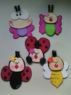 Silent Book, Ideas Para, Minnie Mouse, Magnets, House Design, Templates, Dolls, Christmas Ornaments, Holiday Decor