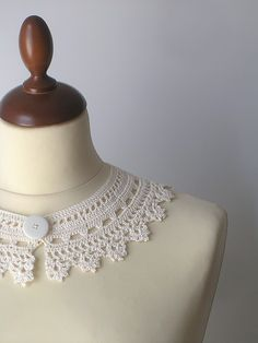 Off White Peter Pan Lace Collar  Irish Style by callmemimi on Etsy, €25.00-I have always loved these!