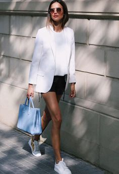 Mondays simple white blazer look. Tap the link on our BIO to recreate and shop the look Trend Trendy Outfits Clothes Style Hipster Fashion Style, Fashion Mode, Fashion Looks, Womens Fashion, Fashion Styles, Daily Fashion, Fashion Online, Fashion Ideas, Mode Outfits