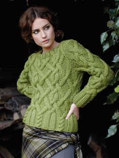 thejitteryknitter:  fuzzyfindings:  Rowan  Gorgeous green cables! I wish I could knit something for myself.