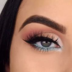 makeup videos POP OF BLUE makeupbyserenacleary Bringing the SLAY with this look which she completed using her in the style quot; Makeup Eye Looks, Eye Makeup Steps, Smokey Eye Makeup, Eyeshadow Makeup, Beauty Makeup, Grey Eyeshadow, Makeup Style, Eye Makeup For Hazel Eyes, Huda Beauty