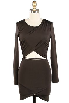 Stunning bodycon wrap dress from TrendNotes.com