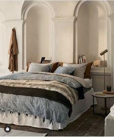 Washed Linen Bedskirt - White - Home All Bedroom Goals, Bedroom Inspo, Faux Fur Bedding, H & M Home, Budget Home Decorating, White Houses, Interiores Design, Modern Bedroom, Duvet Cover Sets
