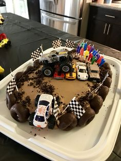 Baby Boy Birthday Cake Monster Trucks New Ideas - birthday Cake White Ideen Monster Jam Cake, Monster Truck Birthday Cake, Baby Boy Birthday Cake, 3rd Birthday Cakes, Monster Truck Party, 4th Birthday, Birthday Ideas, Hot Wheels Party, Hot Wheels Birthday