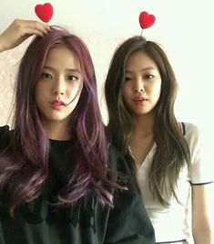 Jisoo and Jennie from Blackpink. I love their hair in this pic Kpop Girl Groups, Korean Girl Groups, Kpop Girls, South Korean Girls, Kim Jennie, Forever Young, Blackpink Youtube, Blackpink Icons, Black Pink ジス