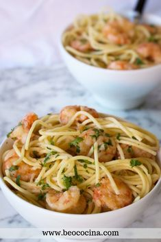 Spaghetti with prawns, prawns or prawns. A very simple recipe to make a delicious pasta dish. Pasta Recipes, Chicken Recipes, Diet Smoothie Recipes, Quinoa, Best Dinner Recipes, Perfect Food, Pasta Dishes, Food To Make, Spaghetti