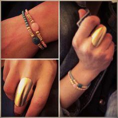 Anillo Escudo Definitivo 15,98 € De diseño limpio y elegante, te recordará a joyas traídas de tierras lejanas y antiguas. Átrevete a cubrir tu dedo con nuestro anillo escudo en dorado y plateado, y llena tus looks de distinción. Talla única: 17 (18,14mm)