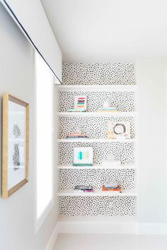 Not So Simple Shelves - 15 Times A Hint Of Wallpaper Wowed Us - Photos