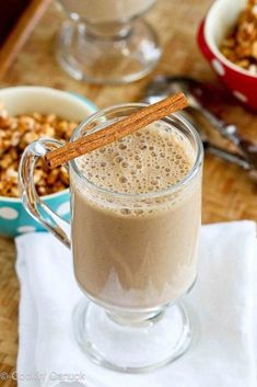 Healthy Coffee Banana Smoothie Recipe - 1 cup chilled Seattle's Best brewed coffee 1 bananas, cut into chunks 1 cup nonfat plain Greek yogurt 1 tbsp ground flax seed 2 tsp honey or agave nectar tsp ground cinnamon tsp grated nutmeg 6 ice cubes Best Smoothie, Coffee Banana Smoothie, Banana Protein Smoothie, Banana Coffee, Yogurt Smoothies, Smoothie Drinks, Healthy Smoothies, Healthy Drinks, Smoothie Recipes