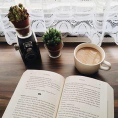 Imagem de book, coffee, and plants