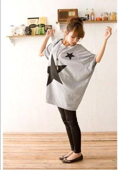 Grey Oversized BatWing Sleeves Asian Trendy Simple T-Shirt with Big Stars 3