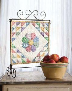 Dresden Bloom Mini Quilt - Quilting Digest