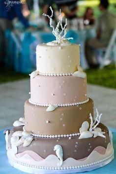 Cake for beach wedding