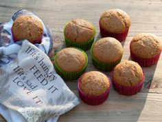 muffins végétaliens Vegan Muffins, Patisserie Vegan, How To Become Vegan, Vegan Kitchen, Whoopie Pies, Sweet Bread, Going Vegan, Vegan Vegetarian, Vegan