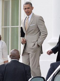 President Obama's Easter suit. Clean!!!