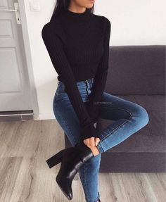 Black + Denim Classic Fall Look Christmas Party Outfits Casual, Casual Bar Outfits, Dinner Party Outfits, Classy Fall Outfits, Fall Outfits 2018, Cozy Outfits, Sweater Outfits, Stylish Outfits, Classic Fall Fashion