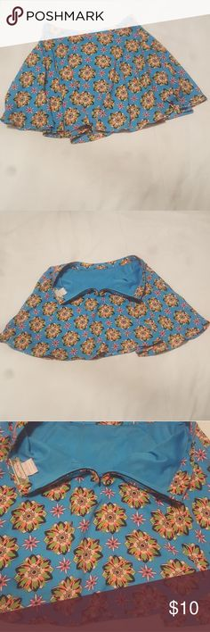 Flying Tomato Floral Skater Skirt No rips, stains, or tears! See photos! Feel free to message me with any questions and check out my other items!👚👜🛍👗👠 Flying Tomato Skirts Circle & Skater
