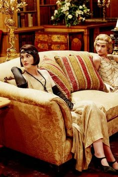 the 20's are roaring on Downton Abbey: After seeing these photos of season five, I can see that the attention to details will once again be amazing with the costumes, jewelry and hair styles. They spare no expense in recreating all the fabulous details of that era!