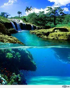 Split-View Waterfall , Hawaii