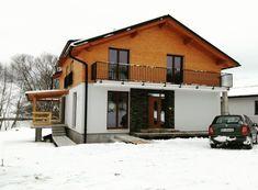 Chalet Romuald sa nachádza v obci Malatíny 16 km od mesta Ružomberok a 16 km od mesta Liptovský Mikuláš. Malaga, Shed, Outdoor Structures, Cabin, House Styles, Home Decor, Chalets, Decoration Home, Room Decor