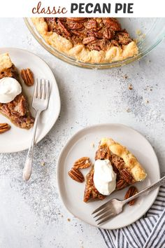 You can't beat a classic like pecan pie! Sweets Recipes, Quick Recipes, Delicious Recipes, Yummy Food, Holiday Appetizers, Holiday Desserts, Holiday Recipes, Pecan Pie Crust Recipe, Thing 1