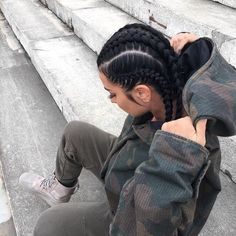 39 Traditional Black Braids Hairstyles For Black Women To Copy In 2019 Looking for a new Braided Hairstyle? right, this is the place to find what you are searching for! Baddie Hairstyles, Black Women Hairstyles, Girl Hairstyles, Braided Hairstyles, Evening Hairstyles, Hairstyles 2016, Everyday Hairstyles, Latest Hairstyles, Coiffure Hair