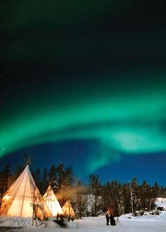 Aurora Borealis (Northern Lights) in Canada. #readysetholiday #travel