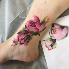 [orginial_title] – Ide Tattoos Cute Pink Floral Flower Ankle Tattoo Ideas for Women – Watercolor Tattoo Ideas … Cute Pink Floral Flower Ankle Tattoo Ideas for Women – Watercolor Tattoo Ideas … – Ankle Band Tattoo, Flower Tattoo On Ankle, Pretty Tattoos, Beautiful Tattoos, Leg Tattoos, Body Art Tattoos, Tatoos, Delicate Flower Tattoo, Tattoo Flowers