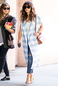 Hair goals from one of my favourite street style celebs: Miroslava Duma in New York (hair as accessory) Casual Outfits, Fashion Outfits, Womens Fashion, Fashion Trends, Estilo Street, Miroslava Duma, A Boutique, Spring Summer Fashion, Casual Looks
