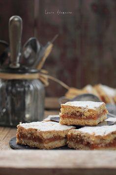 Placinta de post cu gutui detaliu www.lauraadamache.ro Vegan Sweets, Vegan Desserts, Banana Bread, French Toast, Deserts, Food And Drink, Cookies, Drinks, Breakfast