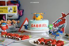 5 year anniversary on the theme of Super Wings Super Easy Dinner, 5 Year Anniversary, Food Advertising, Cookie Do, Cookies Policy, Easy Desserts, Activities For Kids, Wings, Birthday Cake