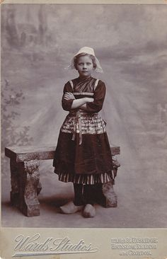 +~+~ Antique Photograph ~+~+   Dutch girl.