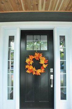 Simple DIY Fall Leaf Wreath for less than $5... #HomeDecor #FallDecorIdeas #FallHomeDecoratingIdeas